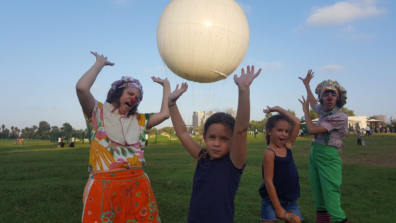 Lia, 7 — riding in a hot-air balloon